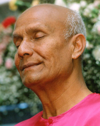 Sri Chinmoy Meditating
