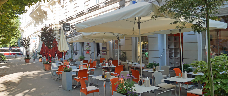 Gastgarten des vegetarischen Restaurants